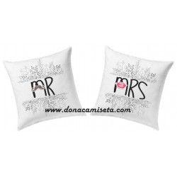 Pack 2 Cojines Mr & Mrs flores beso y bigote