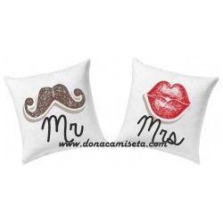Pack 2 Cojines Mr & Mrs Beso y bigote